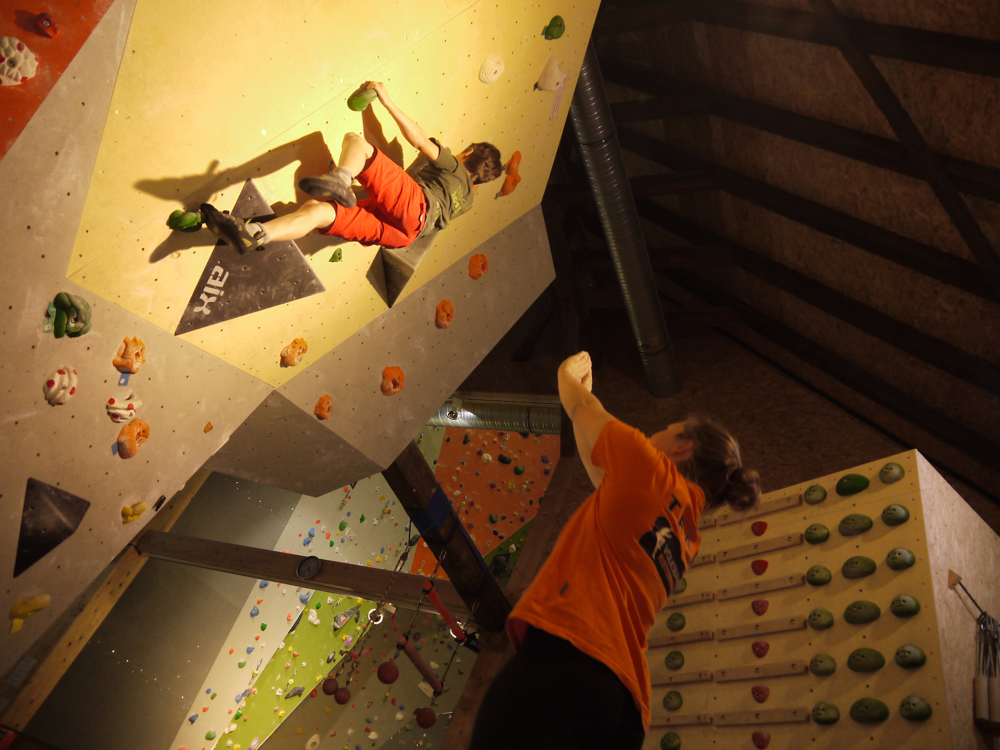 Kletterausrüstung Set Einsteiger : Boulderkurs für einsteiger u2013 volksbank kletterhalle marburg
